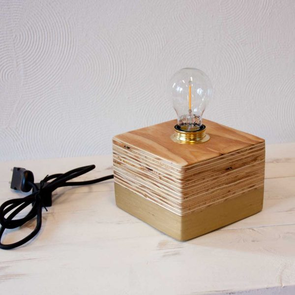 Layer Light Cube Gold